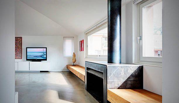 Maison moderne et contemporaine avec une décoration en béton